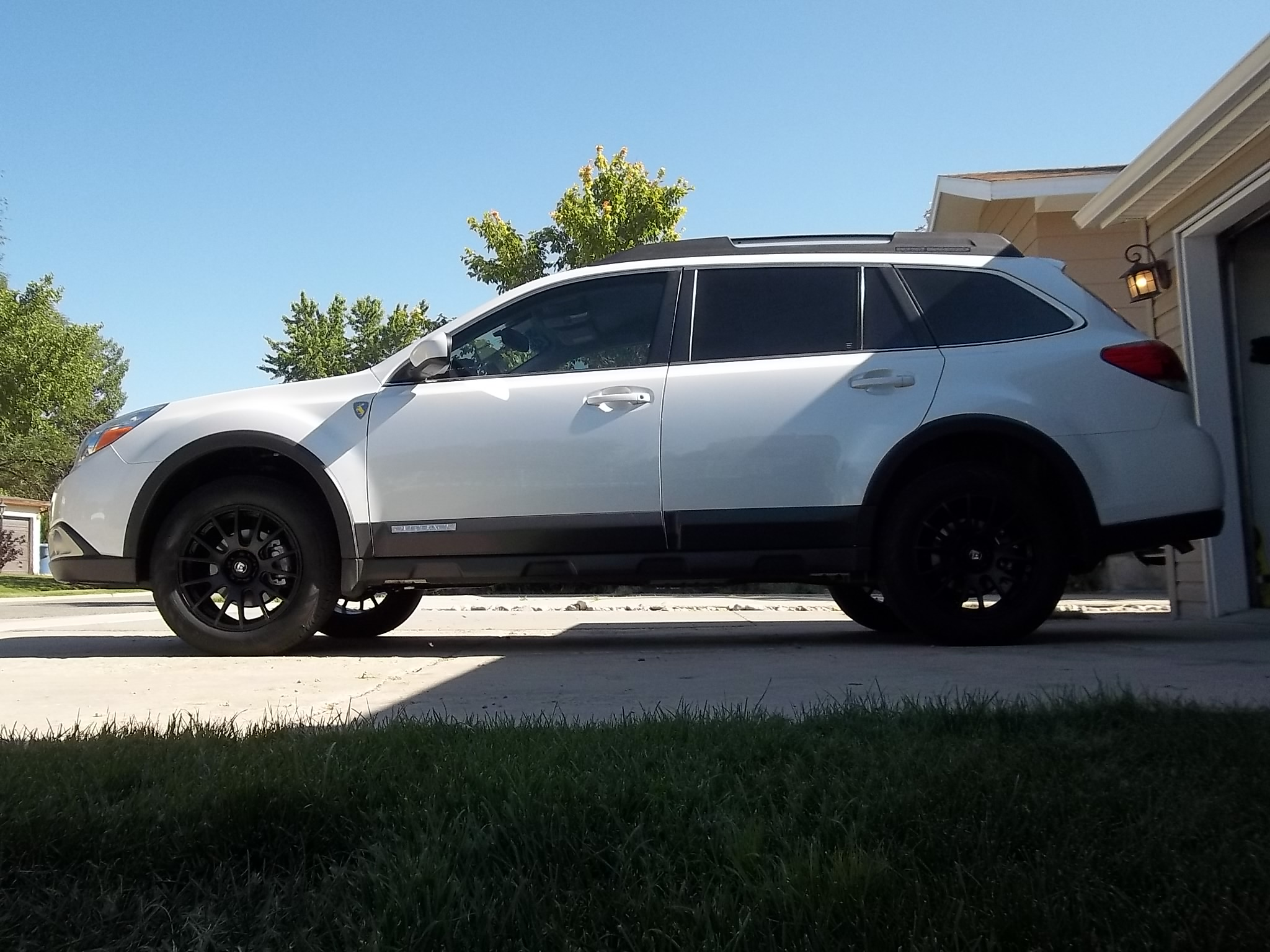 Rims And Tires Canada >> 2012 White Outback With New Black Wheels - Subaru Outback ...