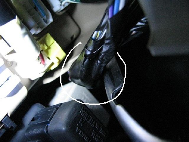 15amp Meters/SRS lamp Blows-cabling-against-bracket.jpg