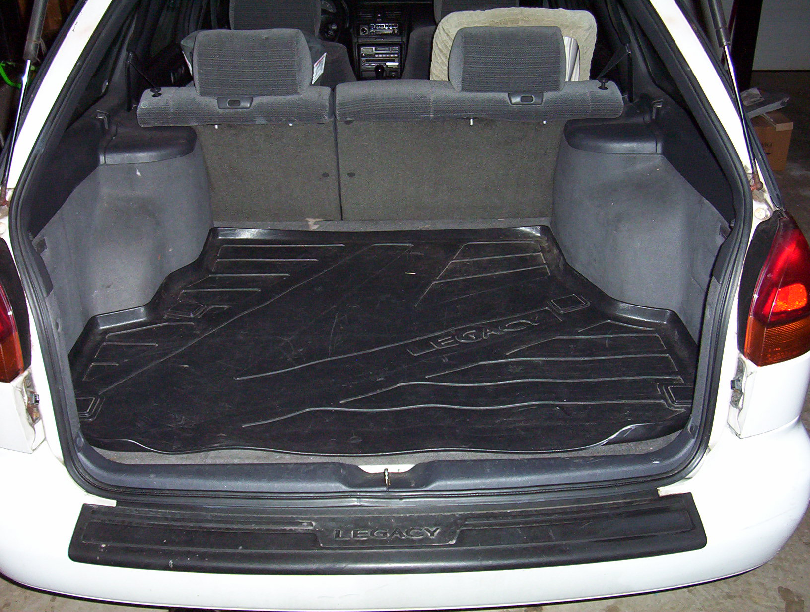 Subaru Legacy or Outback 3rd third row folding seat-cover.jpg