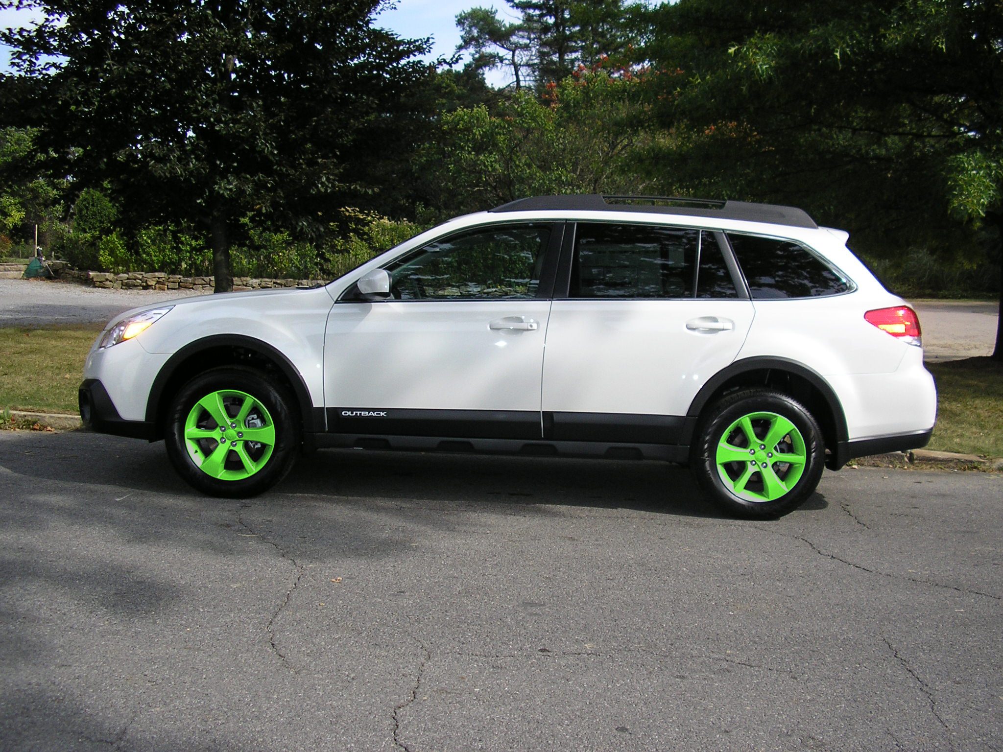 2013 white ob with different colored wheels subaru outback click image for larger version name greeng views 1125 size 9006 vanachro Gallery