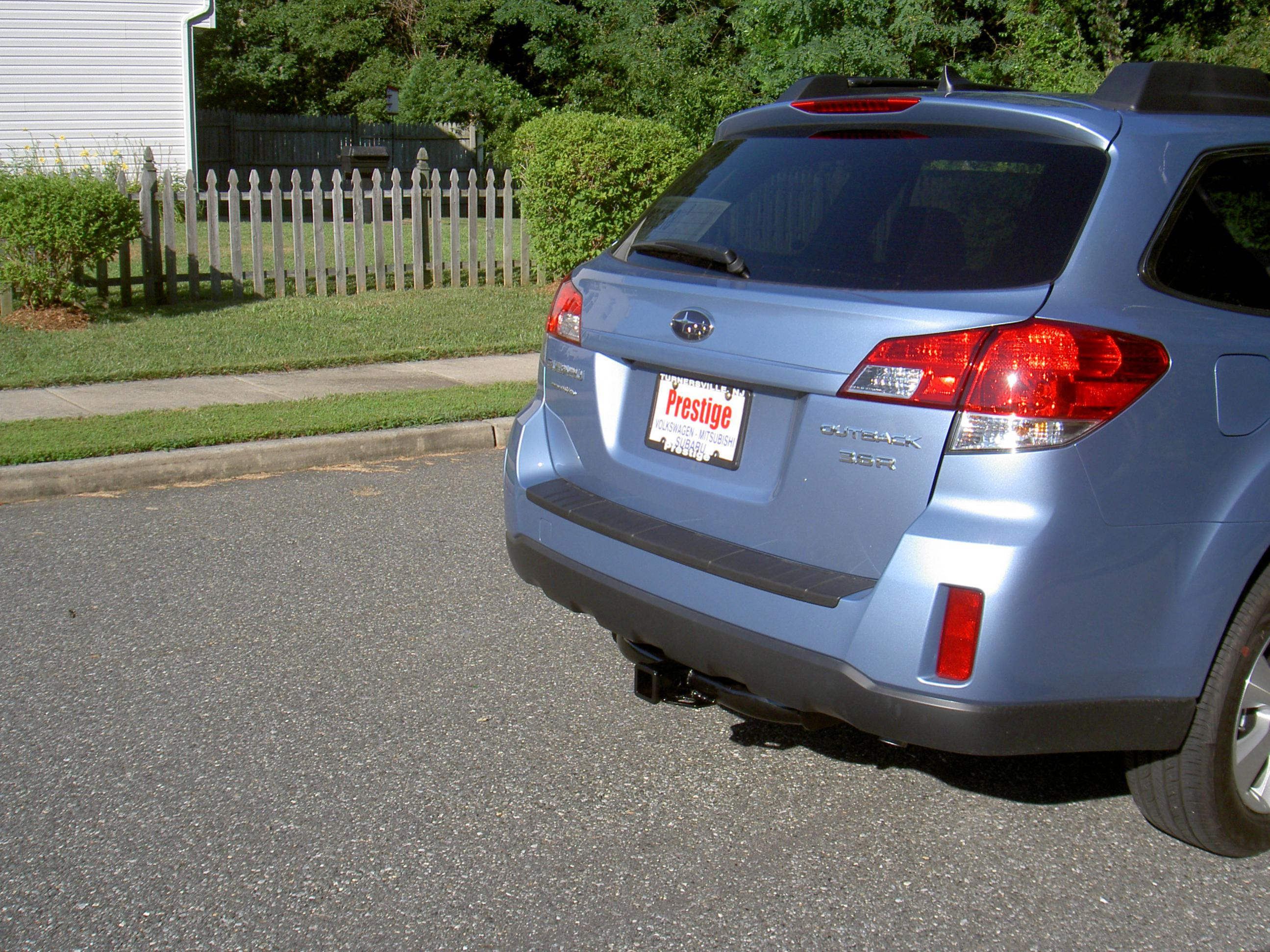 Hitch System for 2011 Outback 2.5iL-hitch.jpg