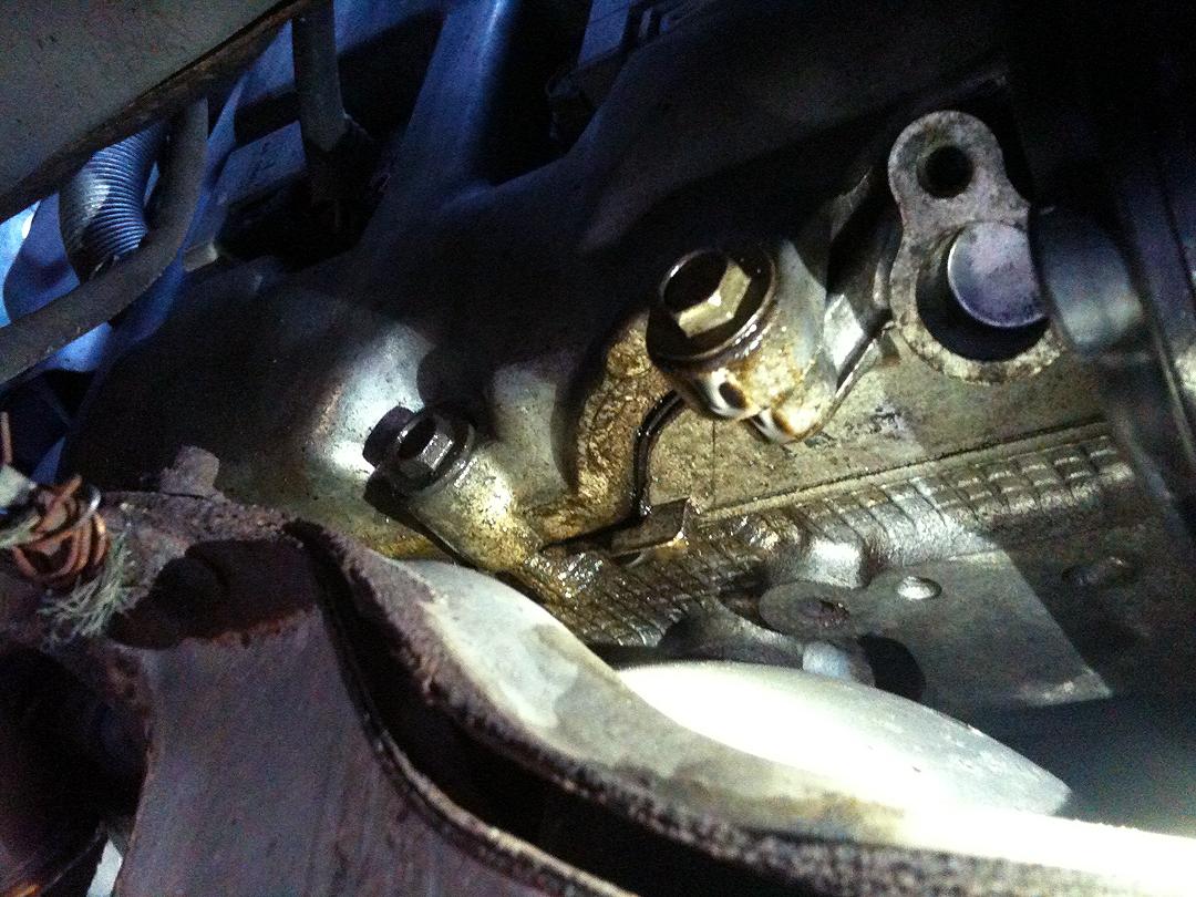 05 ob xt oil leak please help me identify the source pics head
