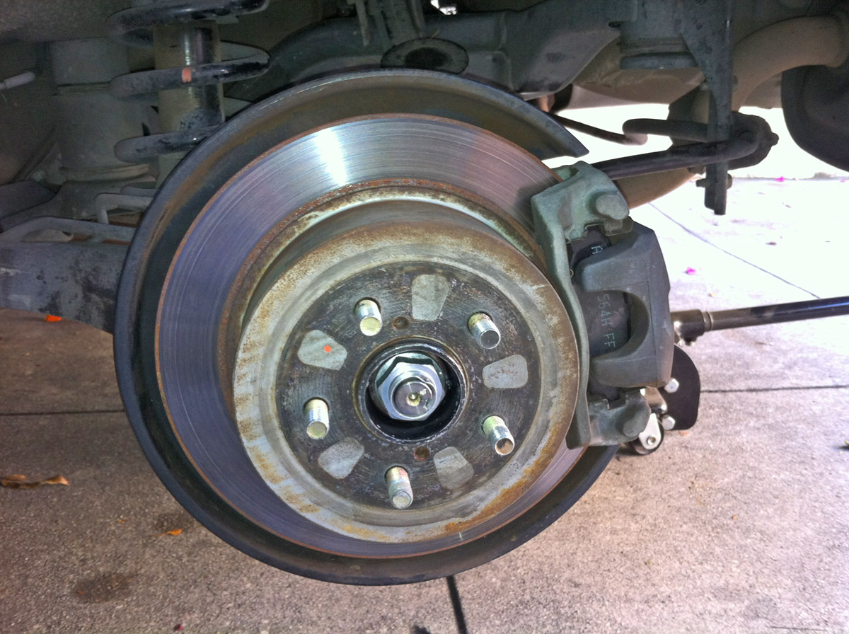 Subaru Legacy: Wheel replacement