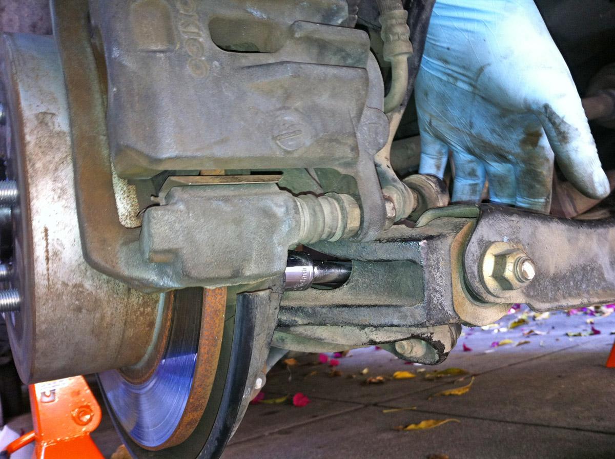 '05-'09  - Replacing rear wheel bearing-img_0942.jpg