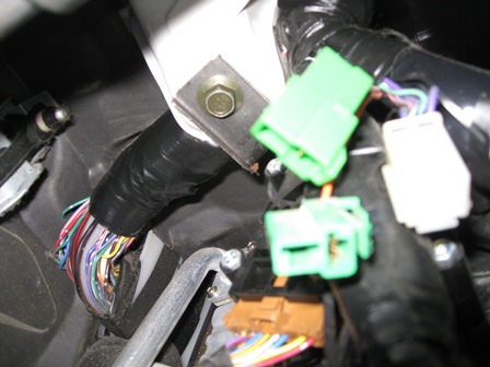 D Connectors Under Dash Unplugged Img on 2005 Subaru Legacy