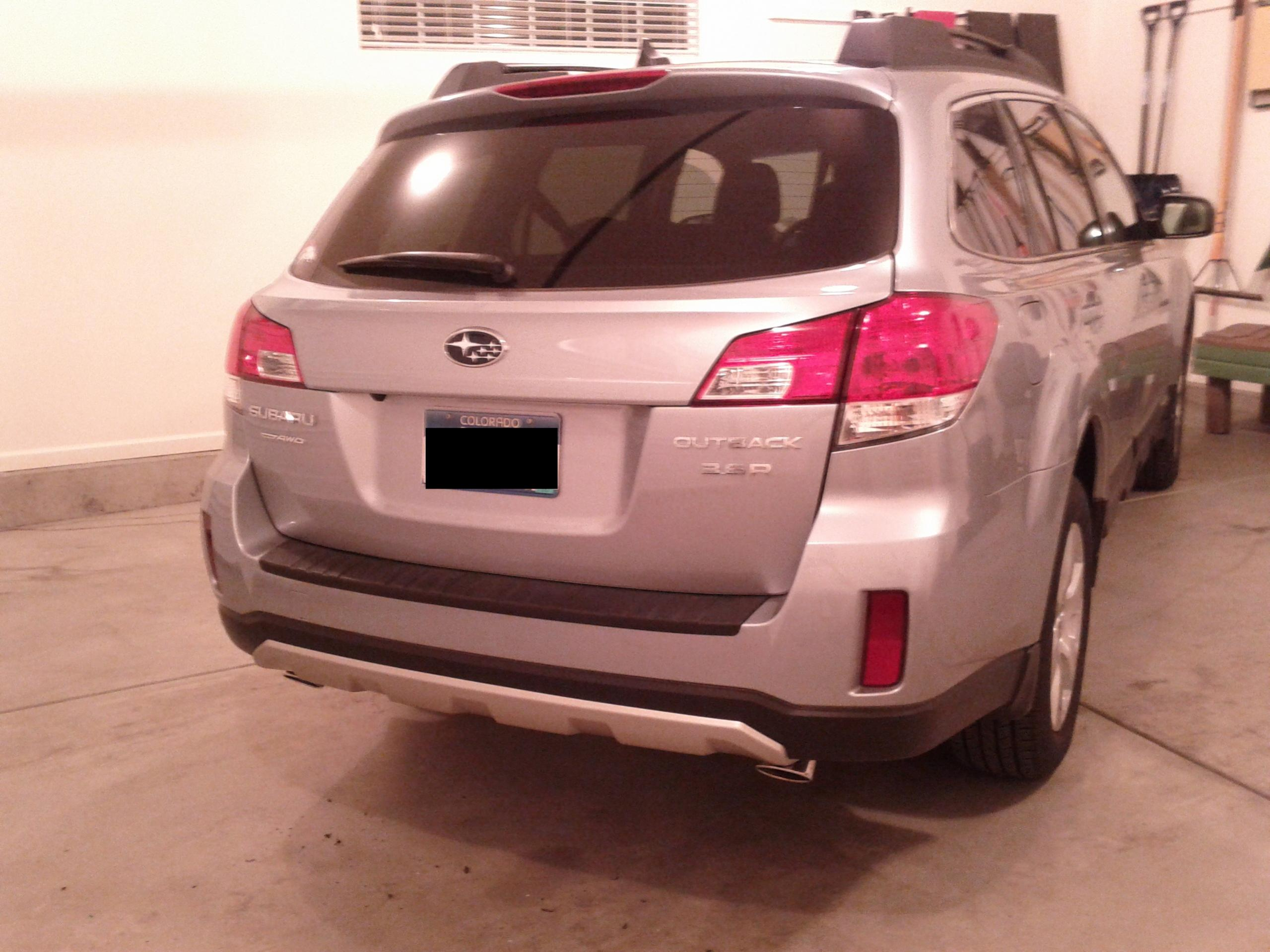 Rear Bumper Silver Underguard Seen On A Few 2012 Outbacks