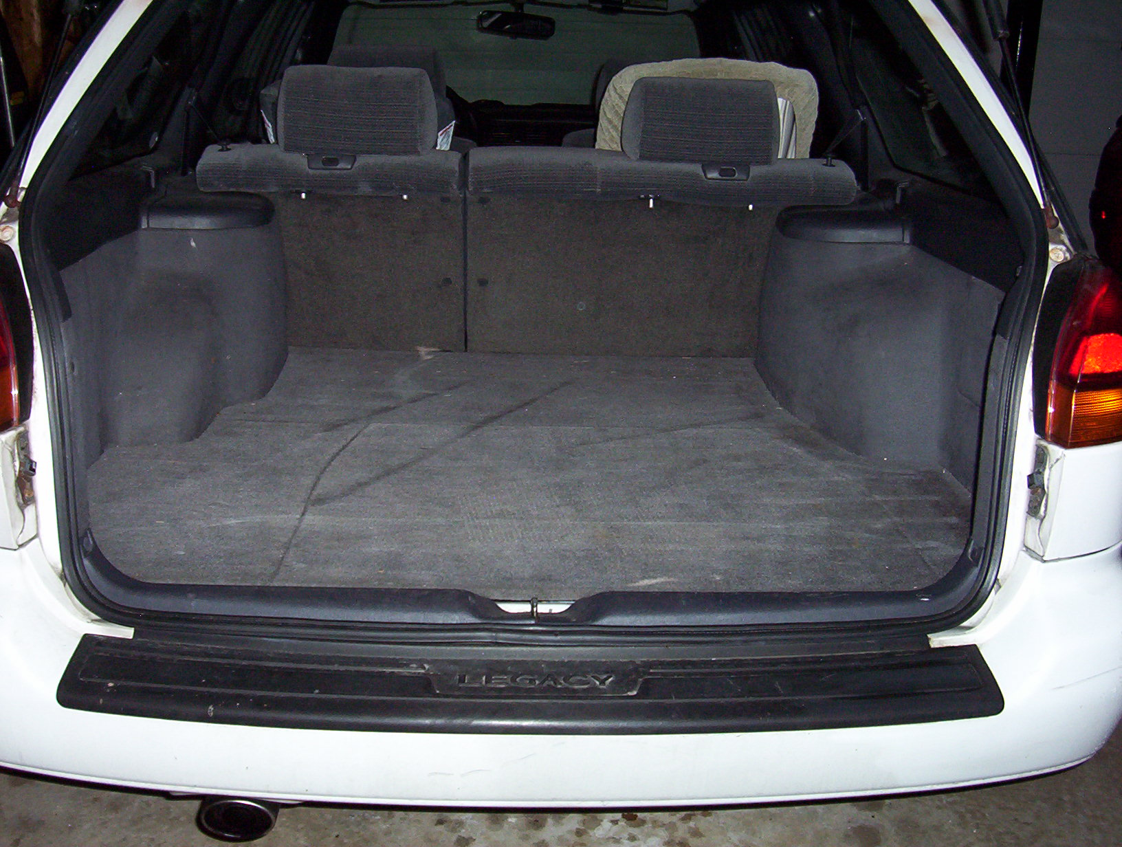 Subaru Legacy Or Outback 3rd Third Row Folding Seat