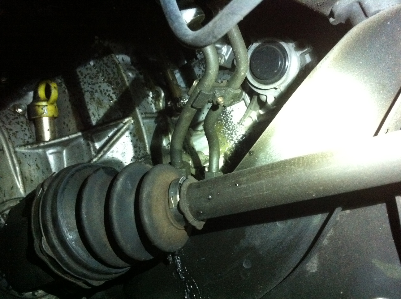 Passenger side grease leak, Axle recently replaced-photo-70-.jpg