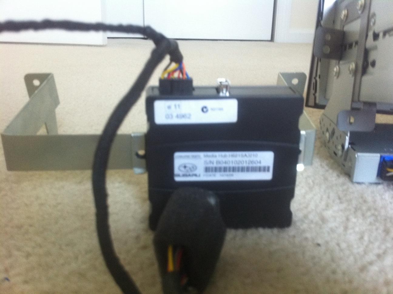 Fs  2011 Leg  Ob Stereo W   Xm  Mediahub And Wiring Harness