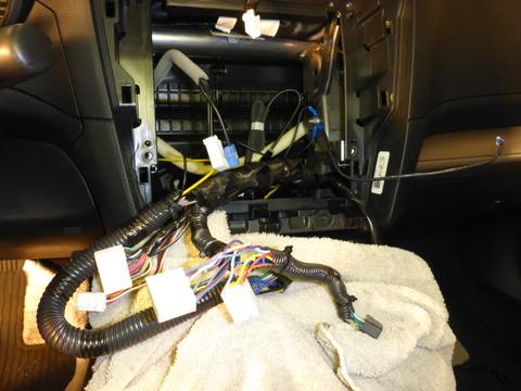 Alpine KTP-445U Powerpack/Amp installation in 2015 Outback ...