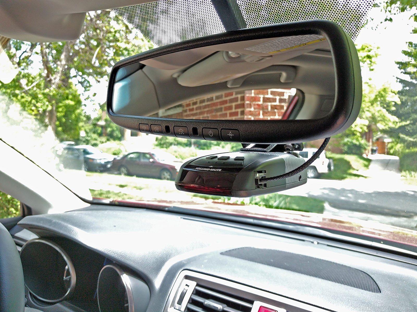 Mounting Radar Detector On Rear View Mirror With Power Tap