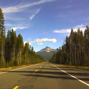 View of Mt. Thielsen from Oregon Route 230