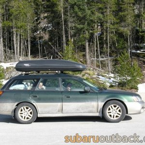 '00 Outback with Thule Roof box